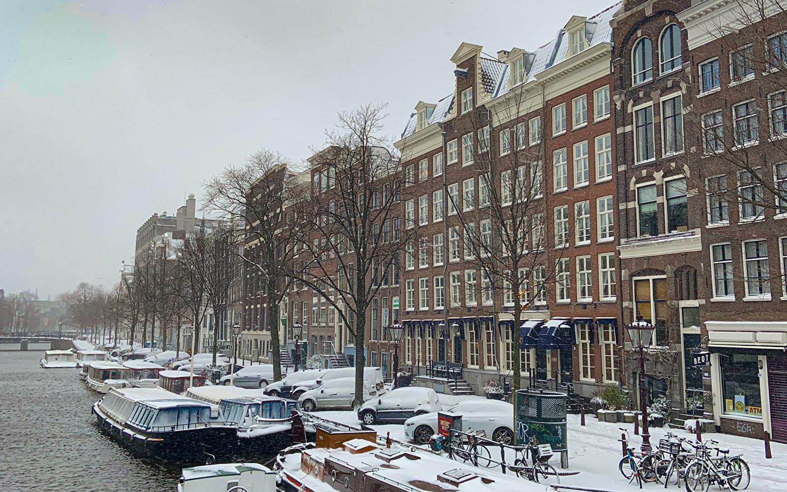 Winter's Amsterdam